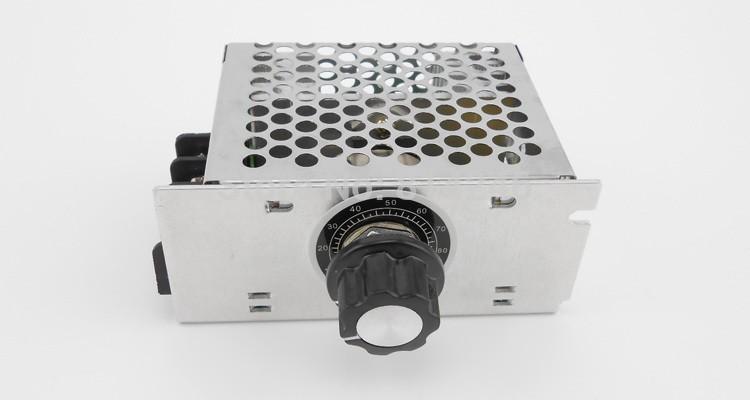 Regulátor svitu žárovky 4000W 230V